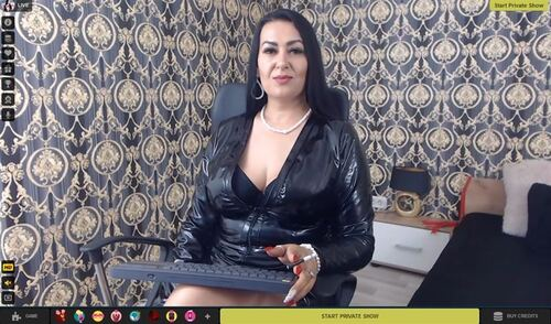 Edging on cam with LivePrivates' hot performers